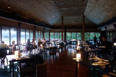 タヒチでCカード取得 【その1-7】 セントレジスのラグーンレストランで豪華ディナー~ロッジに帰還し、ボラボラ1周を達成!
