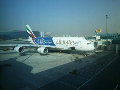 1泊4日で悠久の歴史遺産をたどるドイツとエジプトの旅 その1 スマホ忘れてもへこたれるな!成田のエミレーツラウンジでくつろいでから、エミレーツ航空A380ビジネスクラスに乗って経由先のドバイへ
