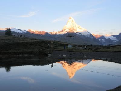 2017年7月 スイス5日目 その1 スネガ展望台から朝焼けのマッターホルンを見ました。