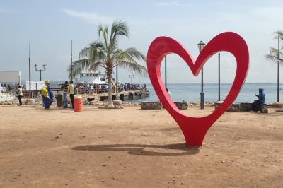 セネガル世界遺産ゴレ島とリゾートのンゴール島(世界一周東回り11日間のLIS-DKR)