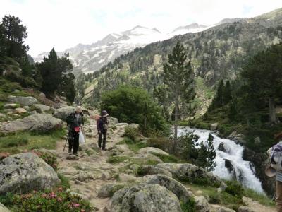 ピレネー最高峰アネト山展望とアンドラ公国ハイキング