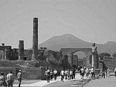 イタリア・ヴェスビオ火山の噴火で一夜に埋もれた2000年前の街;1