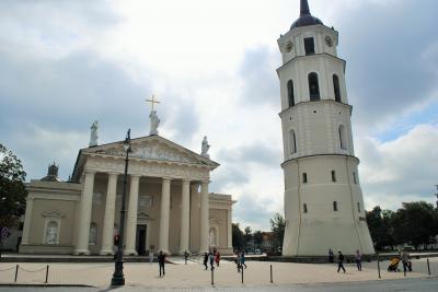 リトアニアへ! その3 首都ヴィリニュスの旧市街の大聖堂へ。