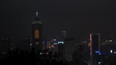 動画 香港 ビクトリアピーク中腹からの夜景 4編。