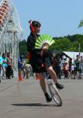 2.第3回伊豆サイクルフェスティバル 伊豆八岳(やつおか)一輪車クラブとUCシューティングスターの一輪車ショー