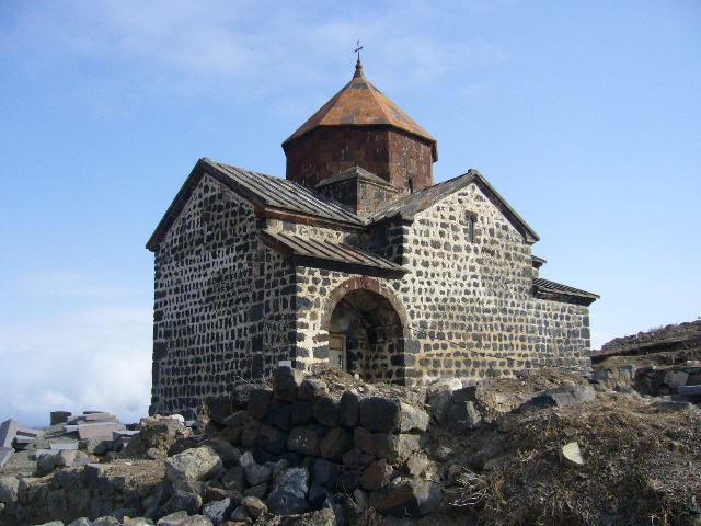 セヴァン湖の教会。ジイリジャン...