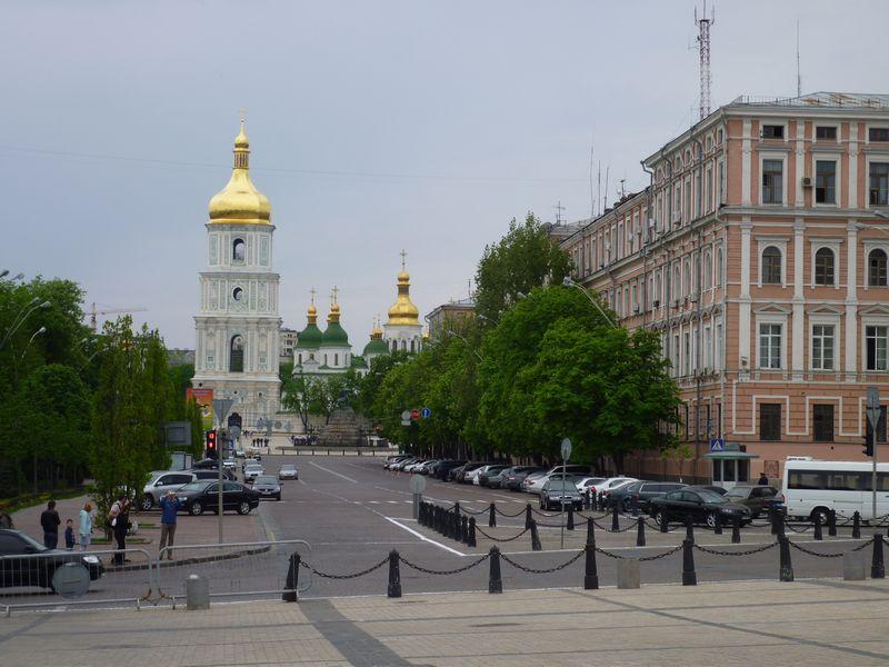 弾丸ウクライナ1005  「母なる街」  ...