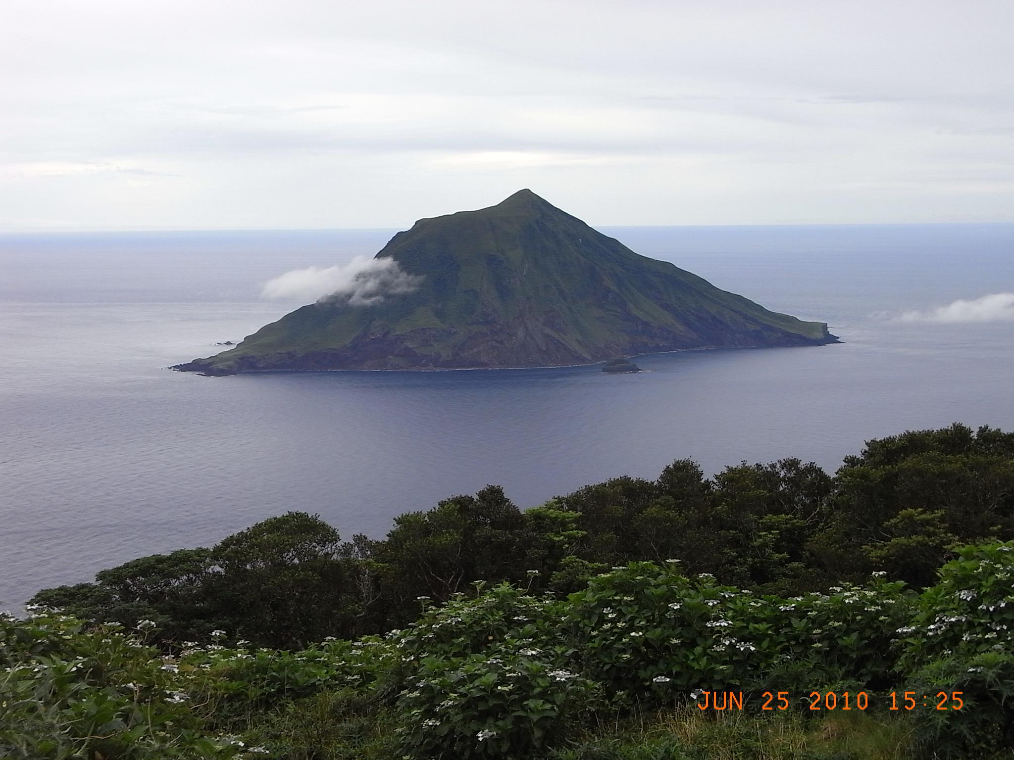 2010年八丈島 「格安で楽しむ温泉巡りと海の幸」