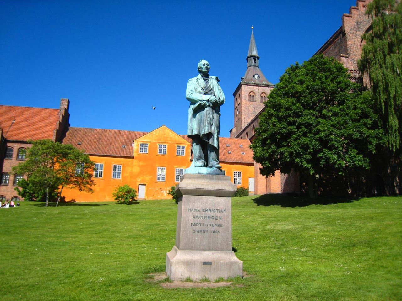 デンマーク観光 オーデンセ アンデルセ...