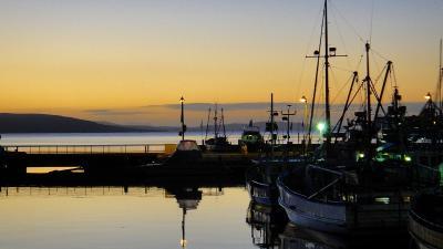 ホテルから眺めたサリバンズ湾の夜明け