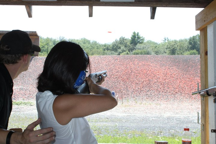 �ڥ�Х˥��� Shooting Range �'ͷ�...