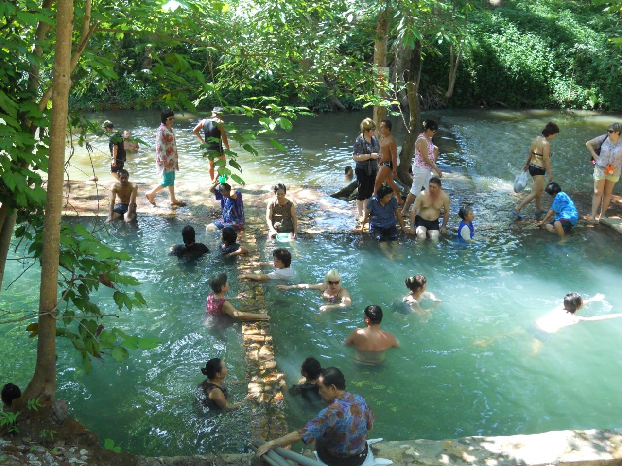 7 カンチャナブリ ヒンダー温泉とサイヨーク・ノーイ滝、泰緬鉄道 / タイ
