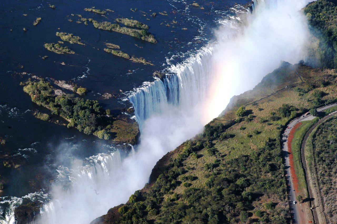 ゆとりの南部アフリカロマン紀行10日間 ①ビクトリアの滝(ジンバブエ)