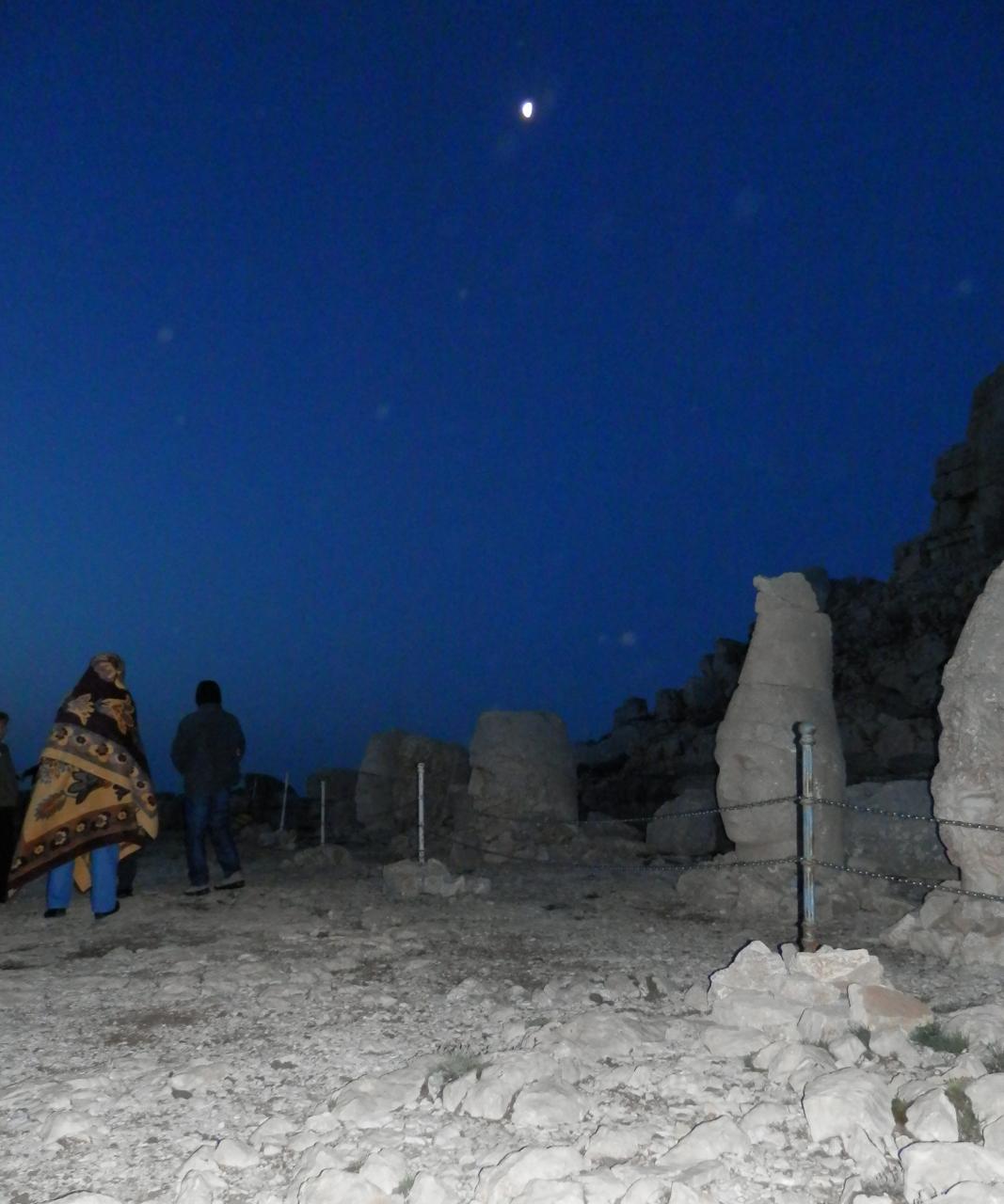 眠たいネムルート山〜トルコ3
