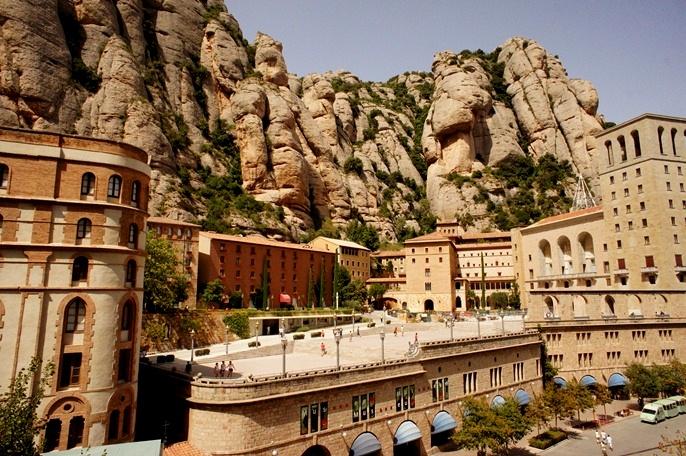 『バルセロナ近郊の旅 − 奇岩の山 モンセラート』 [モンセ ...