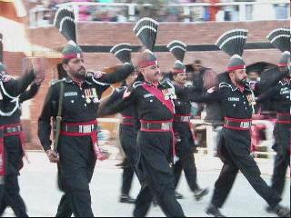 PAKISTAN 1 念願のラホール到着 国境で国...