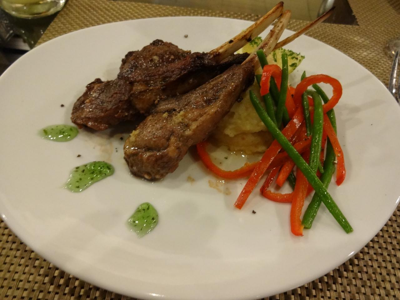 美味しい肉料理のレストラン in マニラ ?...