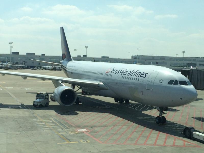 ブラッセル航空のフライトとアビジャンの...
