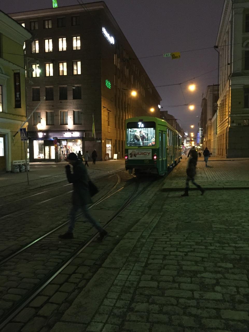 フィンランド(ラップランド)1日目:ヘルシンキでストップオーバー(空港バスと日本食っぽいレストラン)
