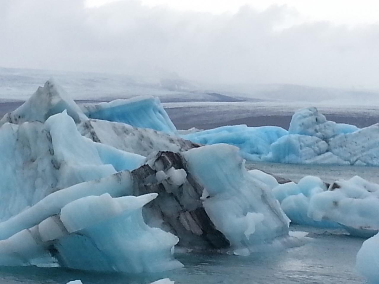 火と氷の国、アイスランド�1日がかりでヨ...