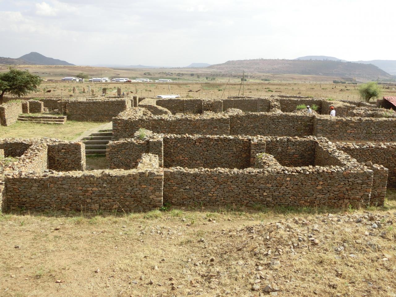 「シバの女王の神殿跡」は「アクスム」にある「紀元... 『シバの女王の神殿跡』アクスム(エチオピ