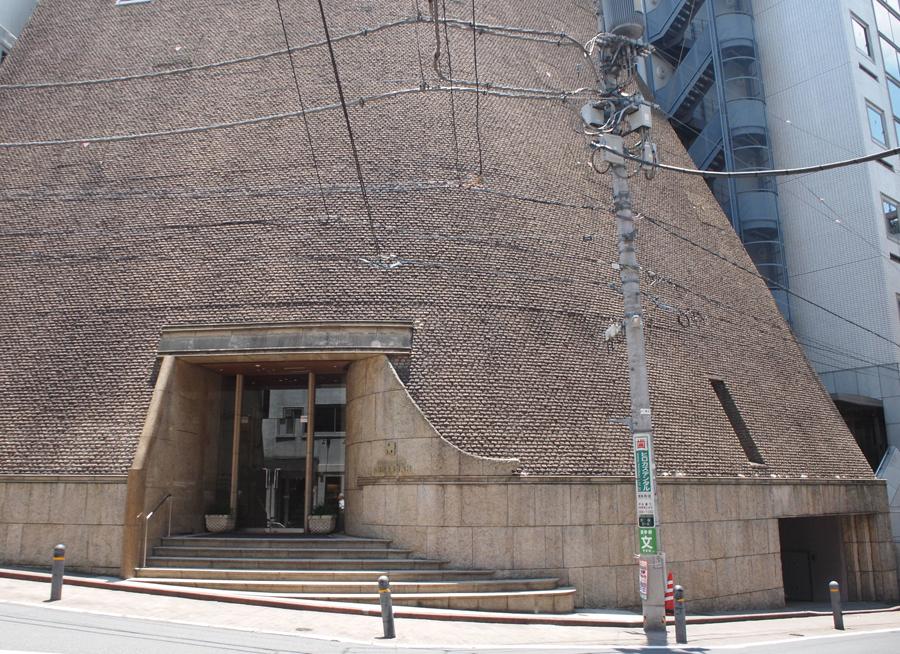 渋谷駅から直ぐのところに以前から気になっていた建物が