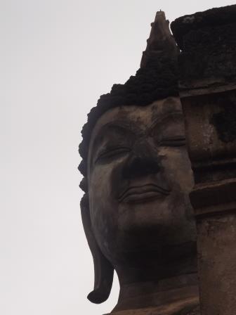 シーサッチャナーライ遺跡見学をした後、...