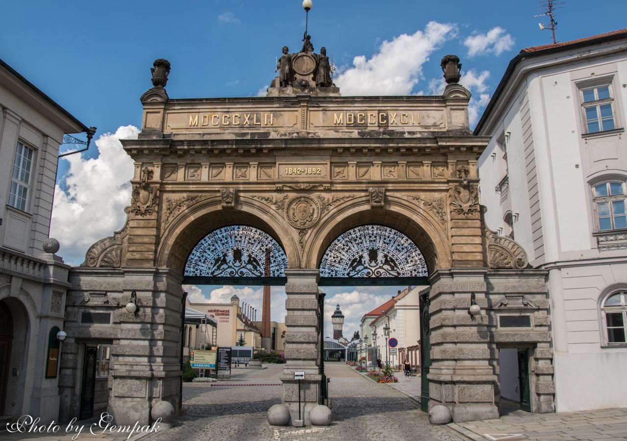 百塔の街プラハ滞在記(9)オーストリア...