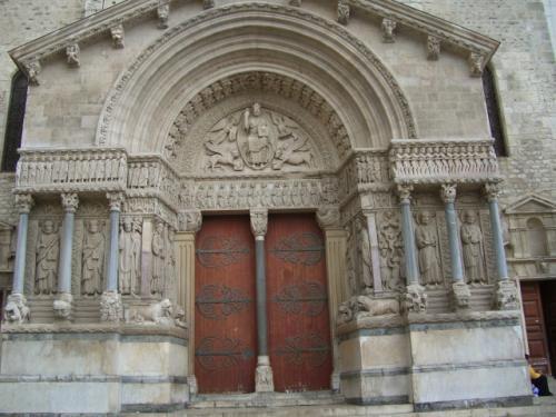 欧州鉄道の旅(★世界文化遺産:アルル Arles)