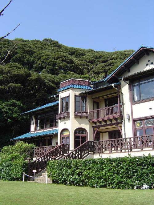 三岛由纪夫はその时ここを访れた时の体験で镰仓别邸をモデルに