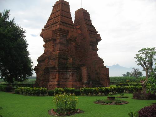 『ジャワのヒンドゥー・仏教美術を訪ねて?~チャンディ・ベラ ...