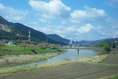 春の丹後半島・伊根の舟屋と日本海