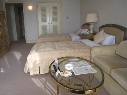 雅子さまが良く利用された、華麗なるホテルプルミエール箕輪の夜