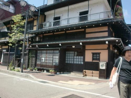 砺波ロイヤルホテルに泊まりました。