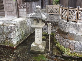 湧水と中山道の宿場町 醒井へ
