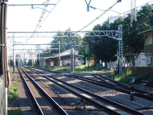 幻のホームがあるなつかしい木造駅舎の原宿駅、駅スタンプ散策の巻