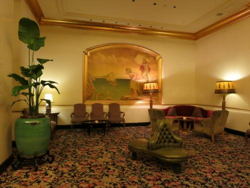 70平米の豪華スイートルームにセールで激安ステイ♪ (ホテル ザ・マンハッタン)