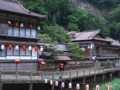 登録文化財 「向瀧」に泊まる 東山温泉