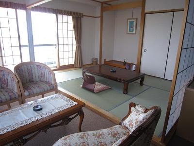HOTEL万葉岬のスィートルーム って、こんなとこでした。口コミ 情報 ワーイ♪ホンマですよ!!1人11、500円で