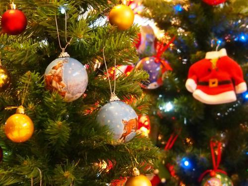 クリスマス・イルミの大★連☆発~!!と、煌めくヒュッテ(木の屋台)のドイツ風クリスマス・マーケット ~横浜みなとみらい~