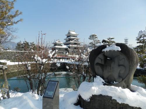 冬の晴れ間のドライブ・松本城編。