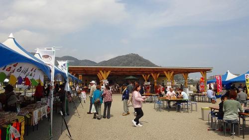 熱海市伊豆多賀・・・ながはま特設市に初めて行きました。