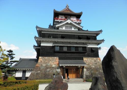 信長の 天下布武は 清洲から  再建された清州城登城