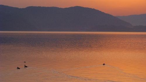 庭園紀行(23)・・・東郷湖に昇る朝日 その2
