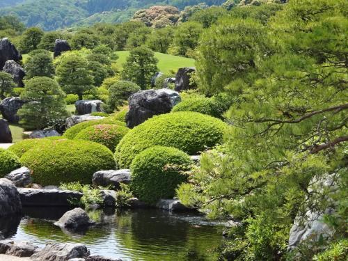 たっぷり山陰山陽・・・安来『足立美術館』 ~『松江城』 ~玉造温泉・曲水の庭 『玉泉』泊