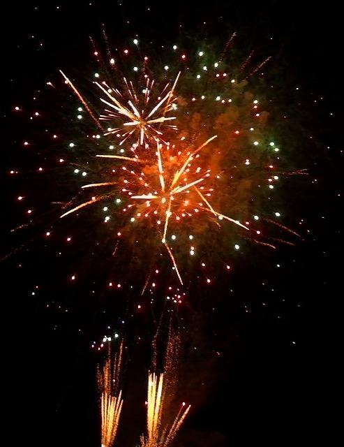 伊豆多賀の年に一度の、百八体かがり火と花火大会・・・花火大会 動画切出し編