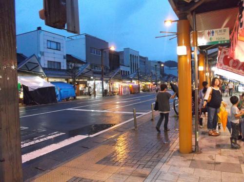 今年も夜店がいっぱい並んでいました(*^。^*)in敦賀気比神宮例大祭