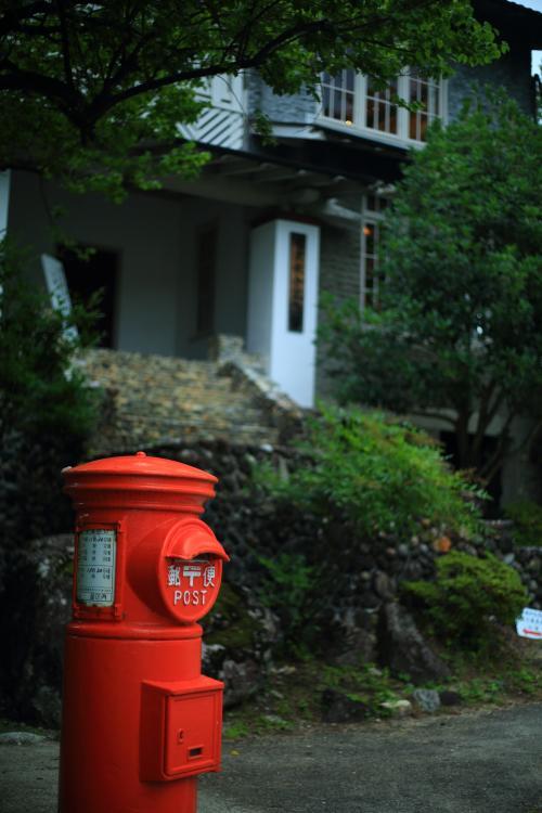 長野 雨の奈良井宿とそばの花