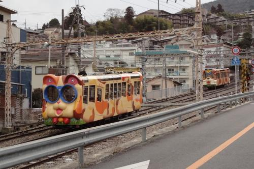 【けもの道に ご用心】 奈良・生駒山