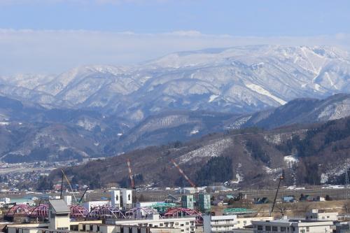 飯山寺町裏通り散歩道は雪解けです。